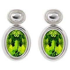 Precious Basics Earrings in 18 Carat White Gold, 2 Peridots of 13.55 Carat