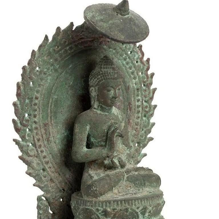 Precious Bronze Throned Buddha, Indonesia, 13th Century In Good Condition For Sale In Roma, IT