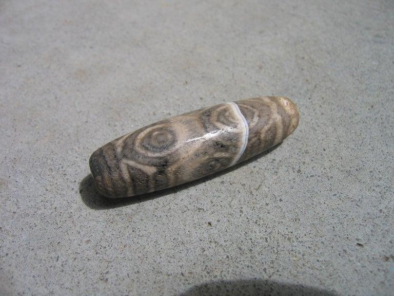 Precious Protective Tibet Antique Six Eye Dzi Bead Amulet Necklace  For Sale 5