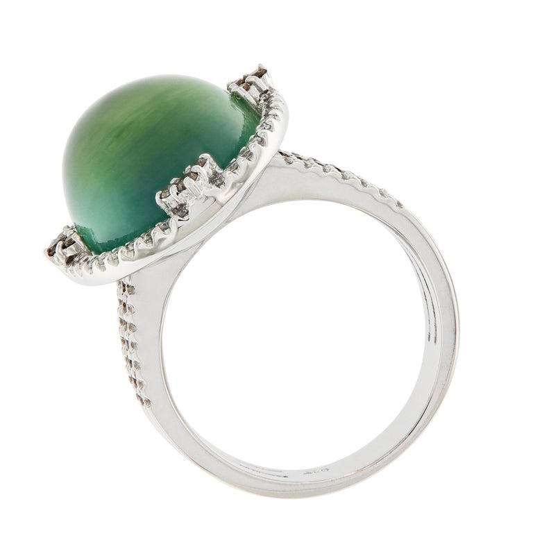 Prehnite and Diamond 18 Karat Gold Ring In New Condition For Sale In Troy, MI