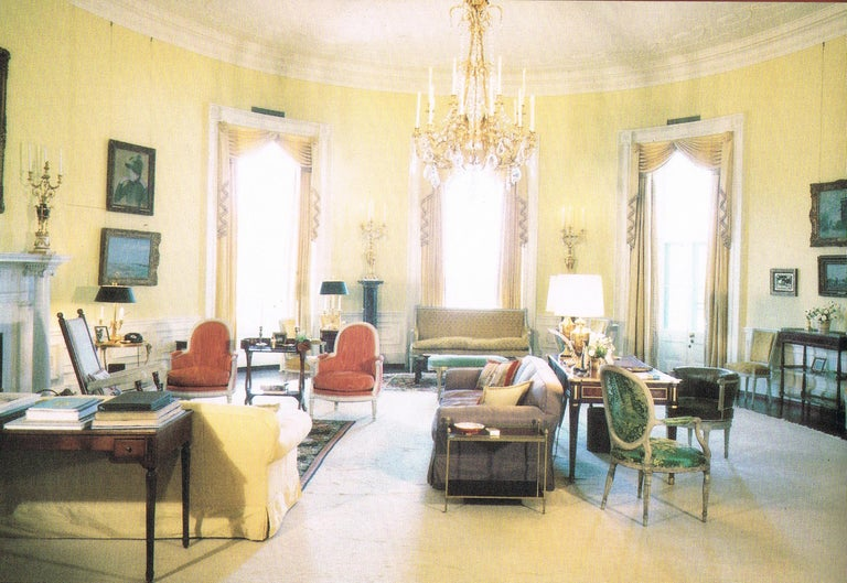 President John F. & First Lady Jacqueline Kennedy's English Victorian Tea Table In Good Condition For Sale In St. Louis, MO