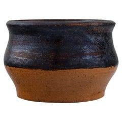 Presumably Lis Krüger and Ole Bjørn Krüger (1922-2007). Bowl in Stoneware