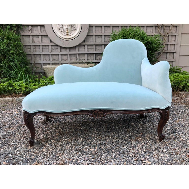 Pretty Tiffany Blue Velvet Asymmetrical Loveseat Settee In Excellent Condition For Sale In Hopewell, NJ
