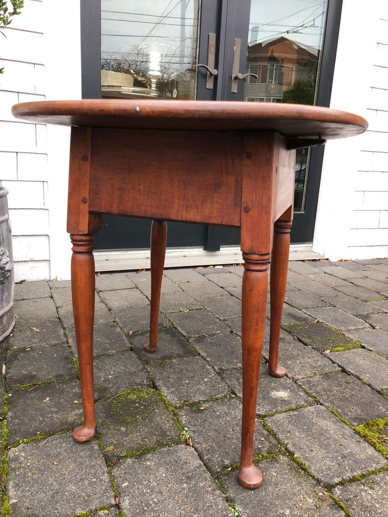 Queen Anne American Tea Table, 18th Century, Old Finish, New England, Pad Foot 10