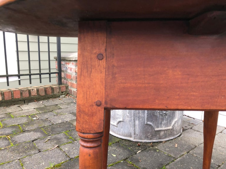Queen Anne American Tea Table, 18th Century, Old Finish, New England, Pad Foot 2
