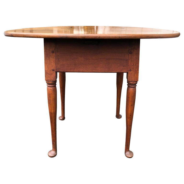 Queen Anne American Tea Table, 18th Century, Old Finish, New England, Pad Foot 1