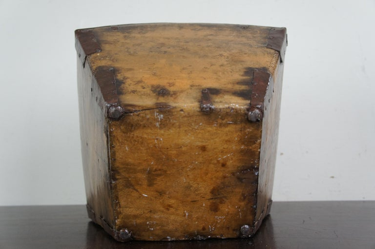20th Century Primitive Antique Chinese Japanese Wooden Rice Grain Harvest Bucket Basket For Sale