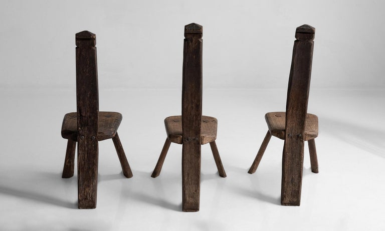 Primitive Chairs In Good Condition For Sale In Culver City, CA