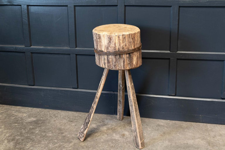 Primitive Chopping Block End Tables In Good Condition For Sale In Harrogate, GB
