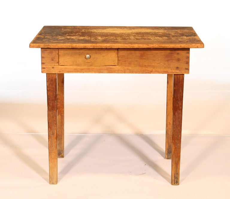 Primitive / Country Style Wooden School Desk / Table In Distressed Condition For Sale In Oakville, CT