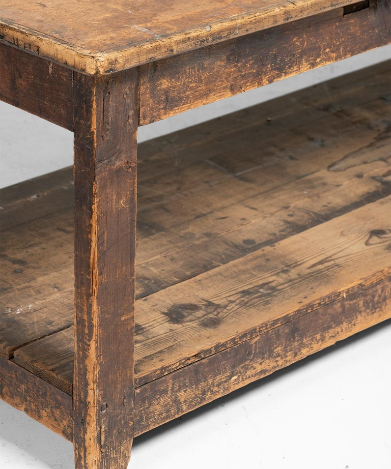Primitive Drapers Table In Good Condition For Sale In Culver City, CA
