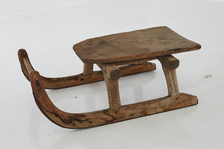 Primitive Hand Carved Wooden Sleigh for One Person, circa 19th Century In Good Condition For Sale In Pau, FR