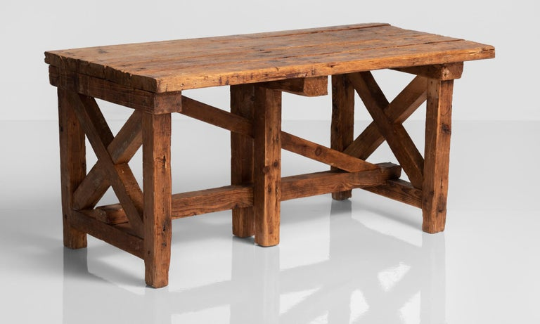 Primitive Pottery Table, France, circa 1880 In Good Condition For Sale In Culver City, CA