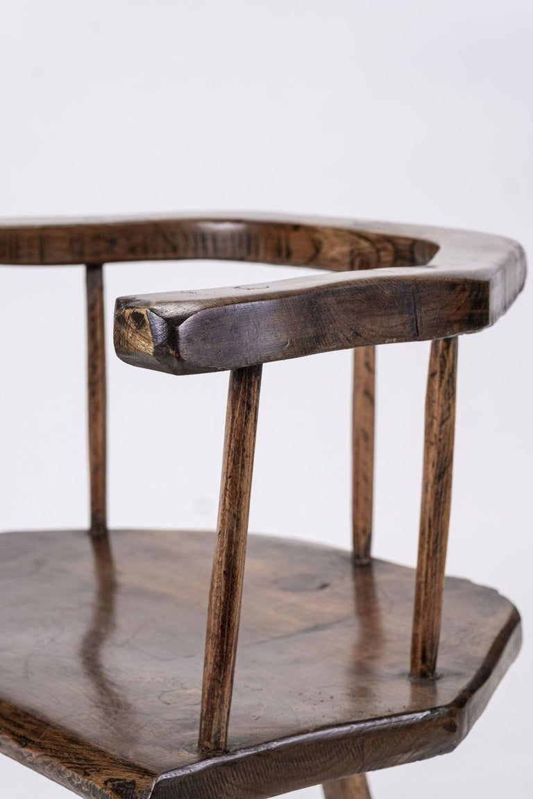 Primitive British Stick Chair Hand-Carved in Elm and Ash In Good Condition For Sale In Houston, TX