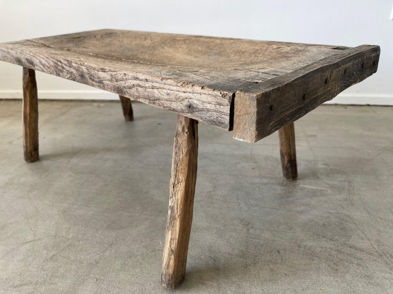 Primitive Table In Good Condition For Sale In Los Angeles, CA