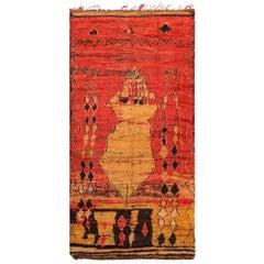 Primitive Vintage Moroccan Rug. Size: 5 ft 7 in x 10 ft 10 in