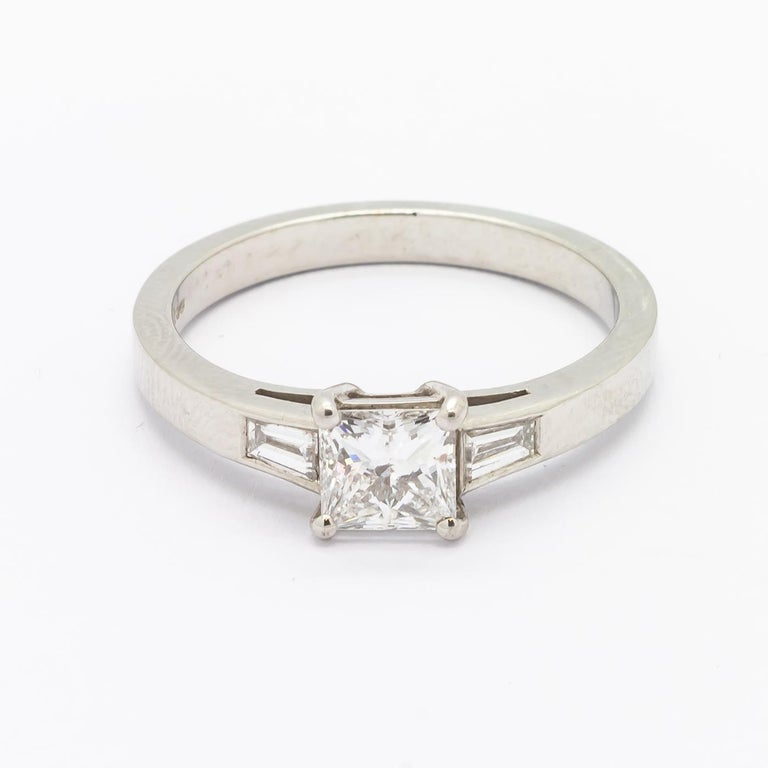 Princess Cut Diamond Ring 0.71 Carat In Excellent Condition For Sale In London, GB