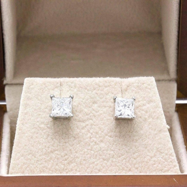Princess Cut Diamond Stud Earrings 1.21 Carat Set in 14 Karat White Gold In Excellent Condition For Sale In San Diego, CA