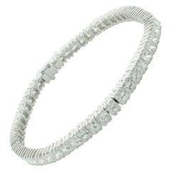 Princess Cut Diamond Tennis Bracelet in 18 Karat 9.40 Carat