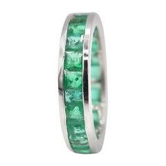 Princess-Cut Emerald 18 Karat White Gold Band Ring