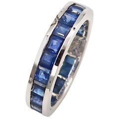 All-Rounder Princess-Cut Sapphire 18 Karat White Gold Band Ring