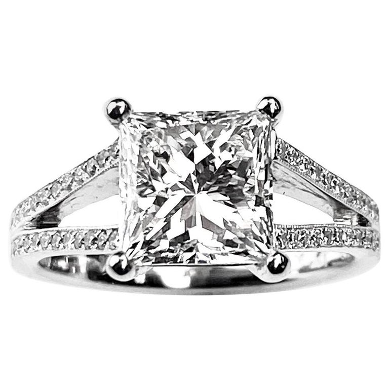 Princess Cut Solitaire Diamond Engagement Ring with Split Shank Setting For Sale