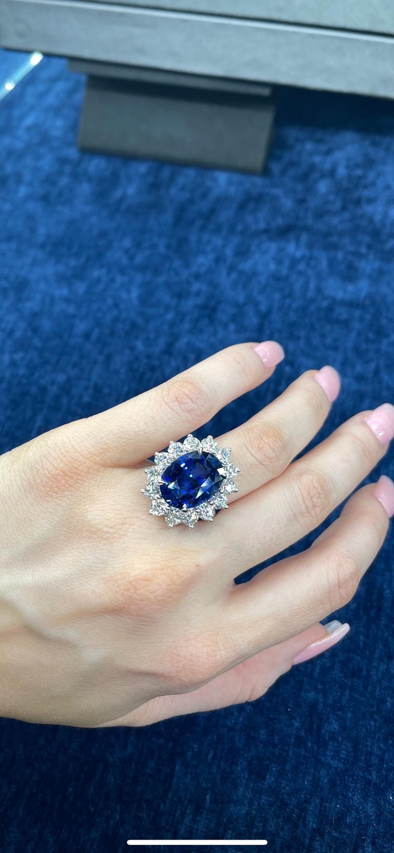 Princess Diana Inspired GIA Certified Sapphire Diamond Ring 15.31 Carats F VS For Sale 7