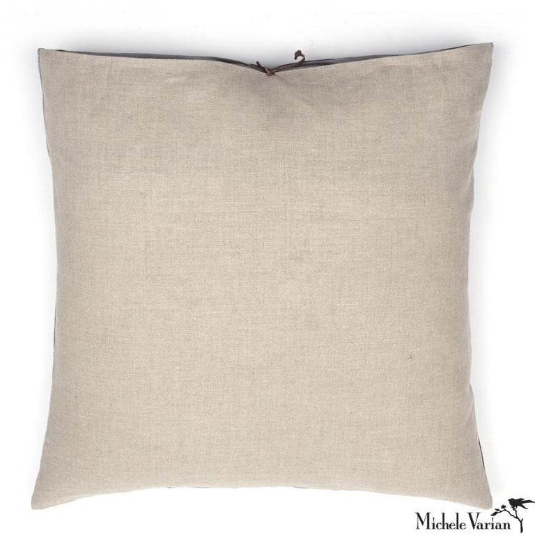 American Printed Linen Throw Pillow Lips For Sale