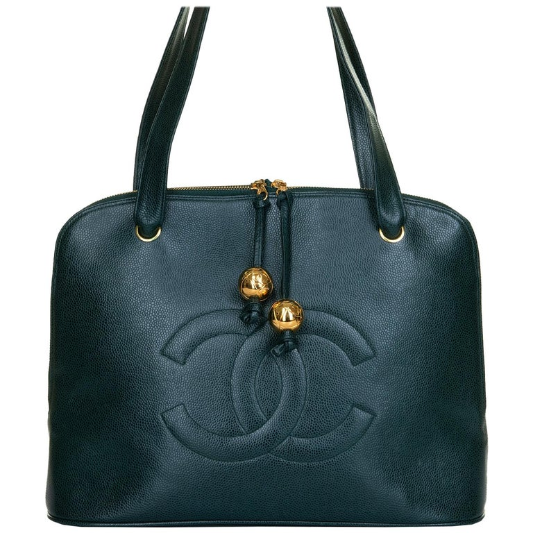 Chanel 'Vert Emerald' Caviar  Shoulder Bag- Iconic 'CC' Globes - Pristine - Rare For Sale