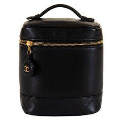 Pristine Vintage Chanel Schwarze Gesteppte Lammfell Kulturtasche