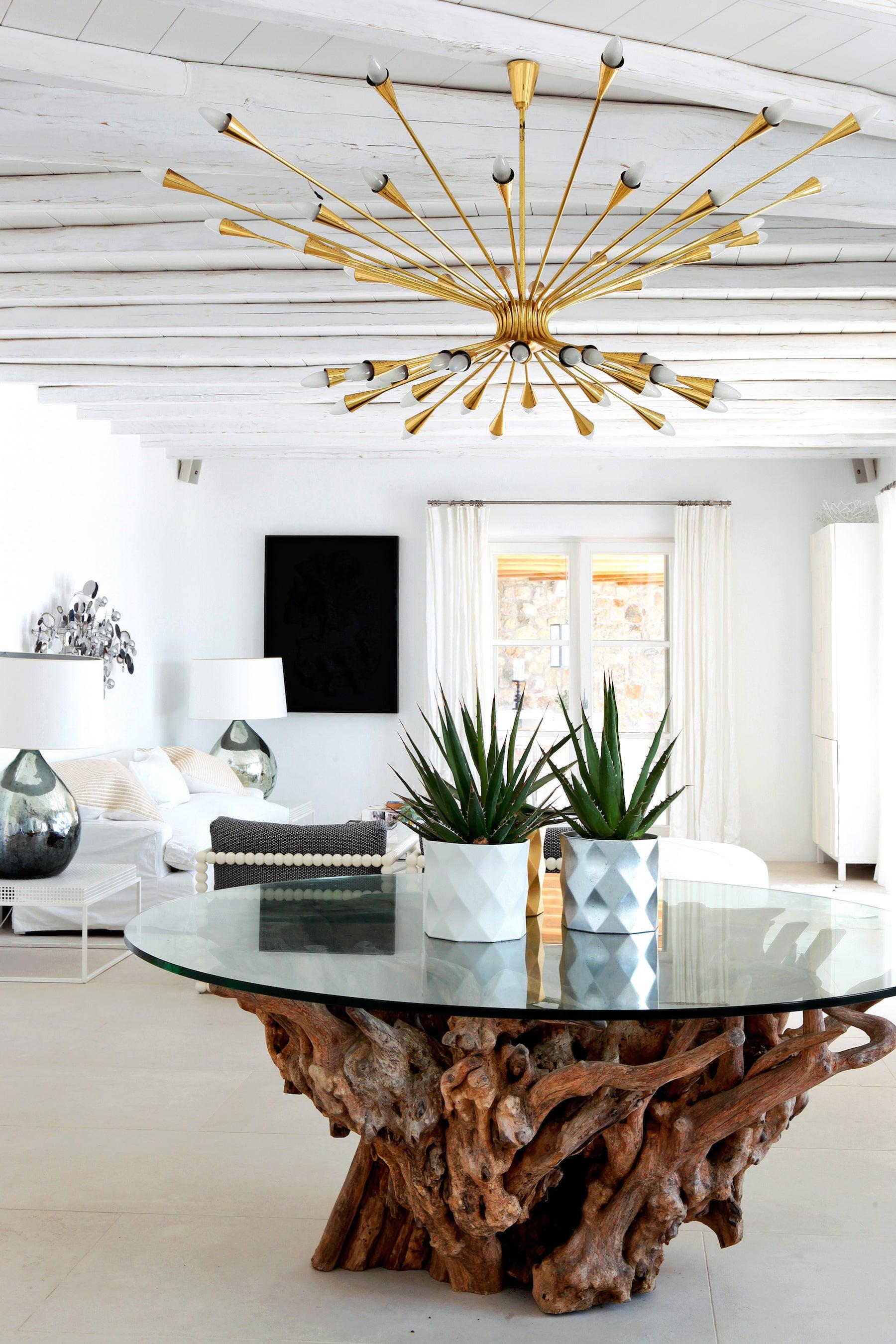Living Room by Hubert Zandberg Interiors