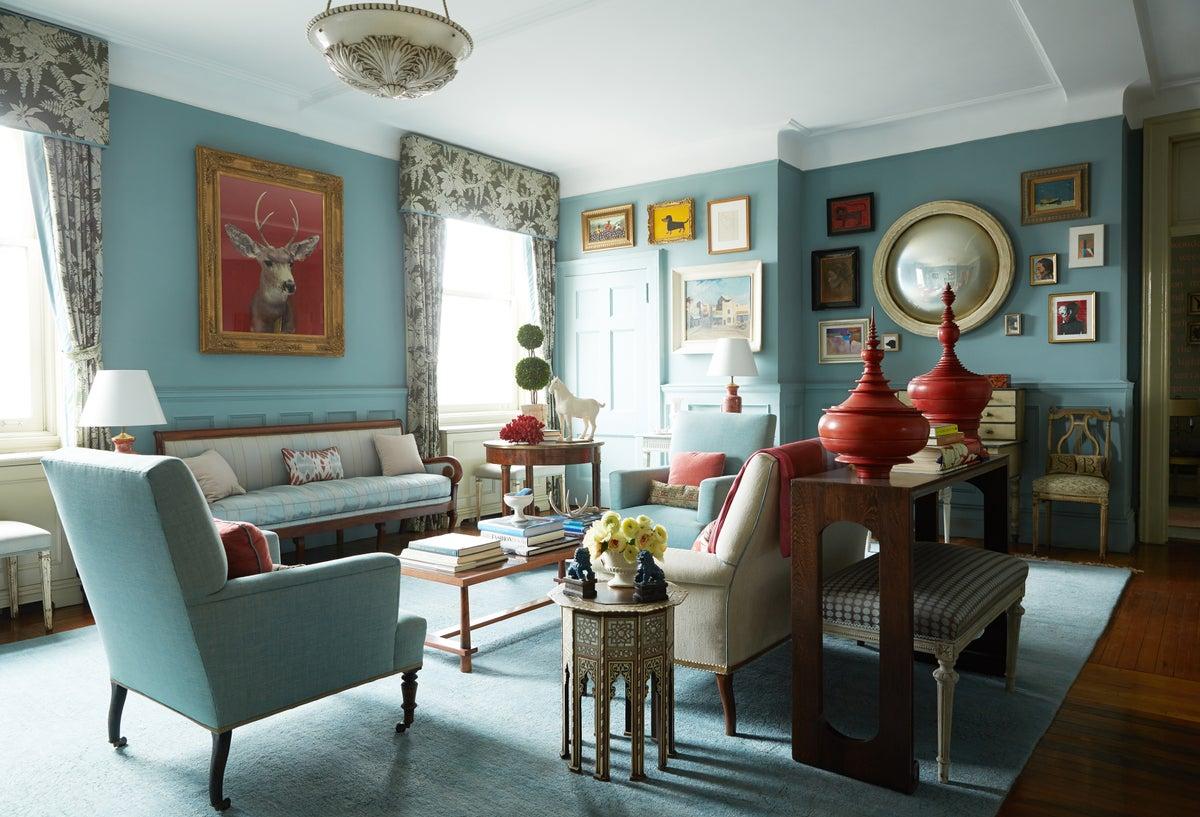 Living Room Salon Wall