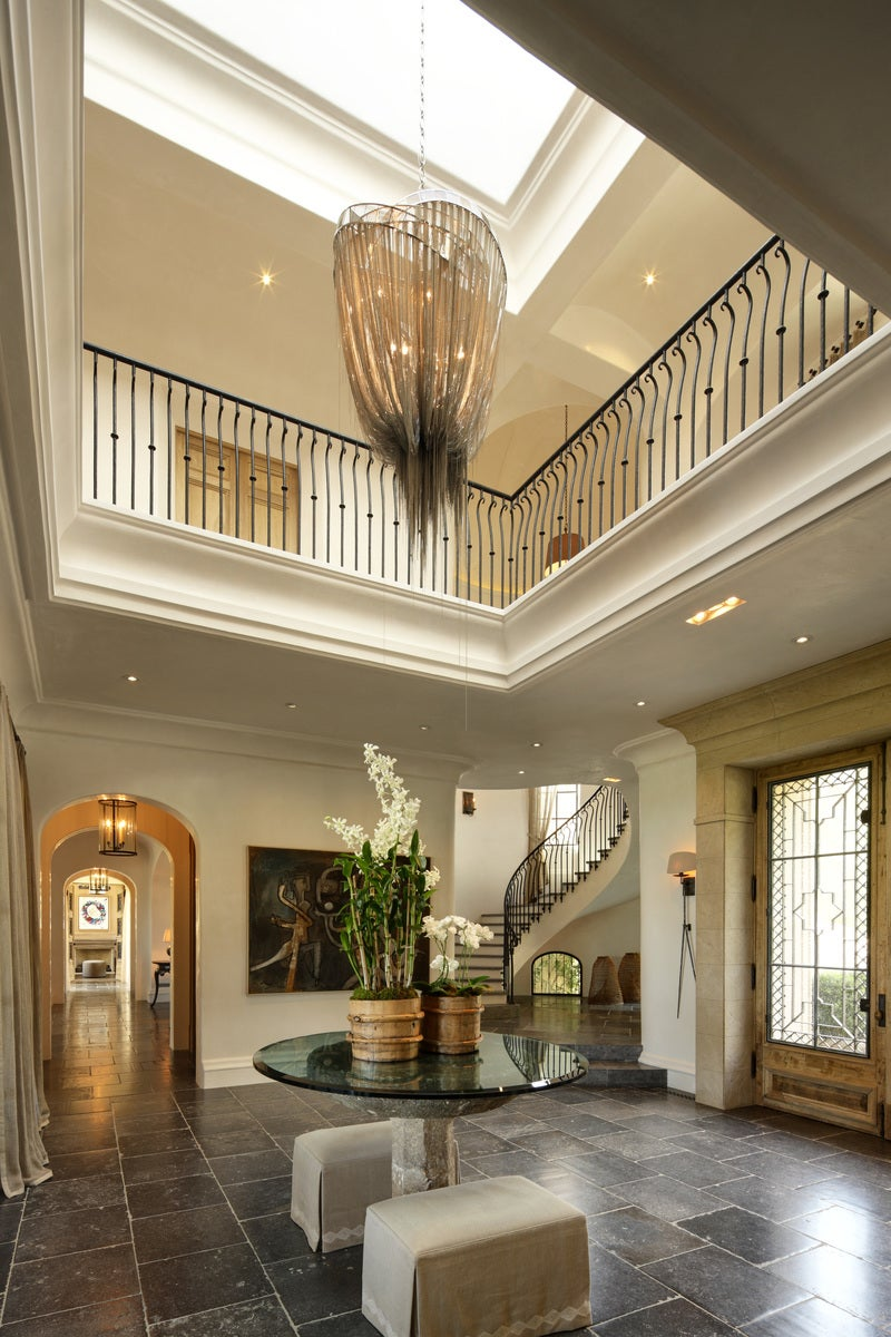 Rustic entry and hall in los angeles ca by landry design for Tom hoch interior designs inc
