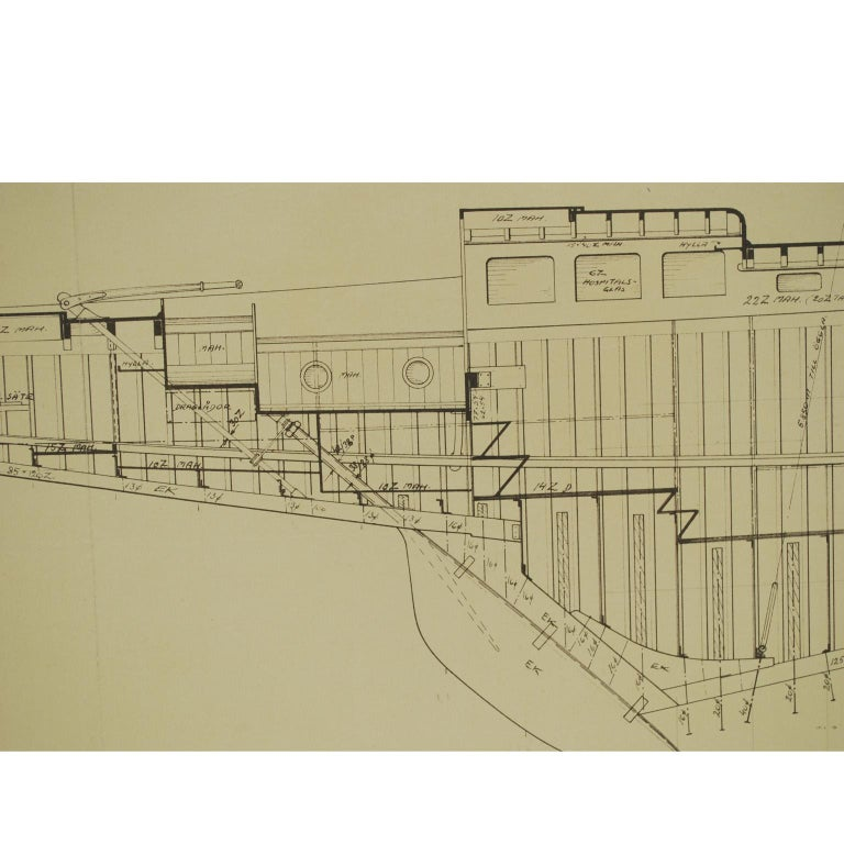 Project coming from the archives of Uffa Fox and never entered the commercial circuit depicting the floor plates and sections of the boat Bacchant. Measures: Cm 108.7 x 49 H - inches 42.79 x 19.29 H.