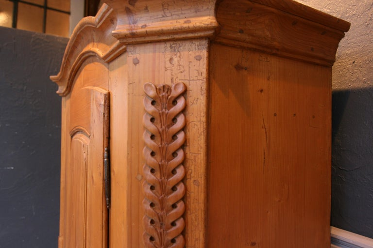 Provincial Cabinet Made of Pine, Empire Period circa 1820 For Sale 7