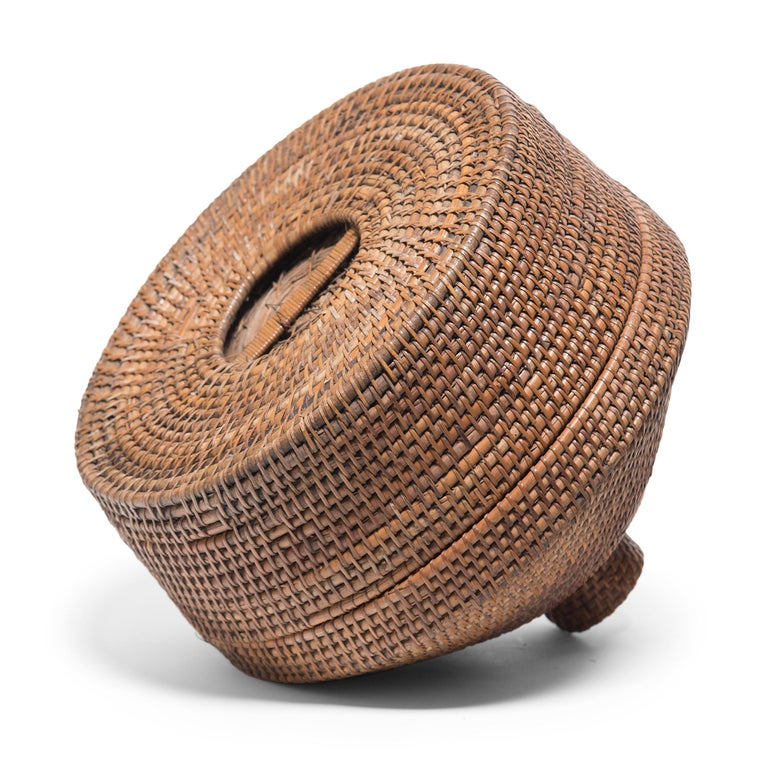 Provincial Chinese Woven Summer Hat Box, circa 1850 For Sale 2