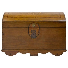 Provincial Hessian Chest