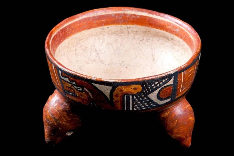 Pre-Columbian Published Papagayo Polychromed Rattling Tripod Bowl, Guanacaste, Costa Rica For Sale
