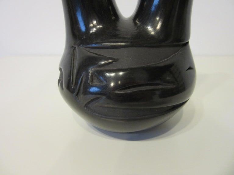 20th Century Pueblo American Indian Pottery Vase by Glenda Naranjo For Sale