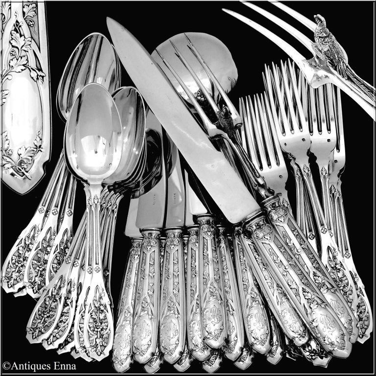Head of Minerve 1st titre for 950/1000 French sterling silver guarantee for the forks, spoons, soup ladle and carving set handles. 