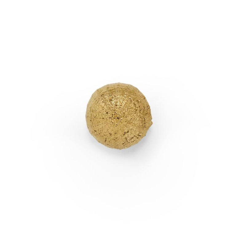 Inspired in the striking beauty of the small, globular sea animals found across the ocean floors, our Urchin is a delicate and majestic range of furniture drawer handles with a noble texture. A fine cabinet hardware addition to cabinets and