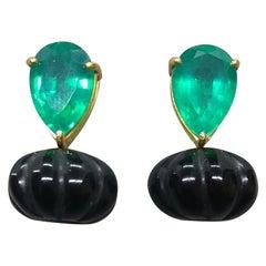 Pumpkin Shape Carved Black Onix Pear Shape Green Quartz 14 Karat Gold Earrings