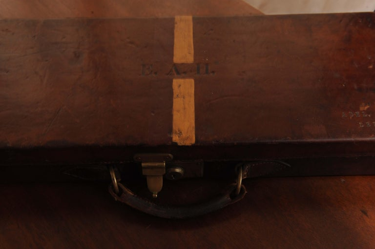 Purdey & Sons 'Royal Warrant' Victorian Leather and Brass Shotgun Case For Sale 6