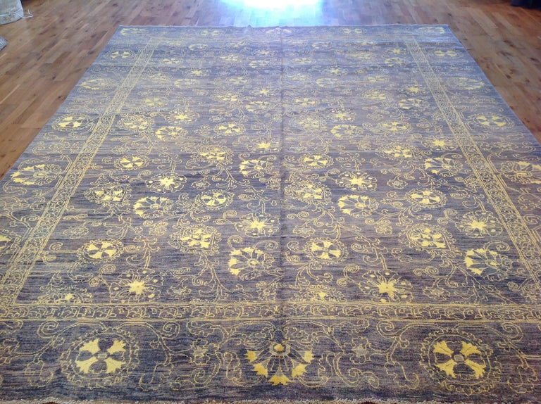 Purple Floral Stencil Design Wool and Silk Area Rug In New Condition For Sale In West Hollywood, CA