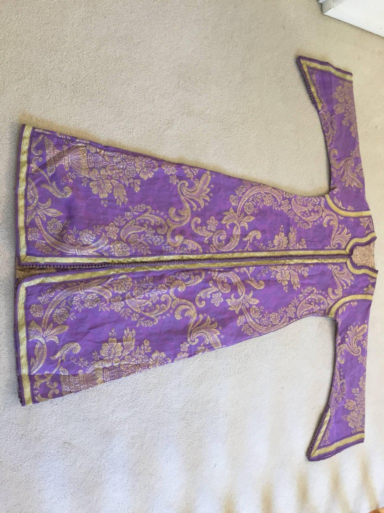 Lavender and Gold Brocade 1970s Maxi Dress Caftan, Evening Gown Kaftan For Sale 3