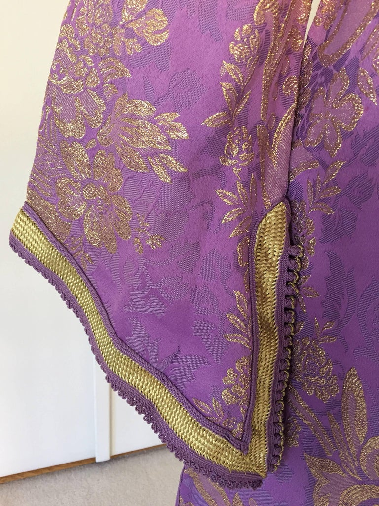 Lavender and Gold Brocade 1970s Maxi Dress Caftan, Evening Gown Kaftan In Excellent Condition For Sale In North Hollywood, CA