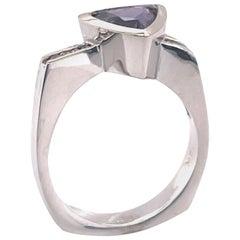 Purple Sapphire 1.5 Carat and Yellow Diamond White Gold Ring