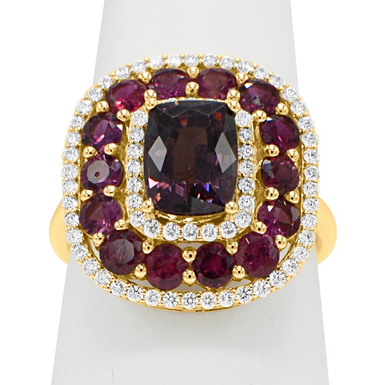 Purple Spinel Ring and Ruby, 14 Karat Rose Gold Cushion Shape Spinel 2.40 Carat In New Condition For Sale In Brooklyn, NY