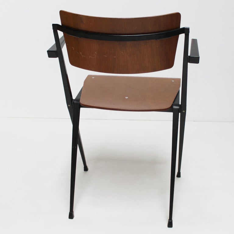 Pyramid Armchair by Wim Rietveld for De Cirkel In Good Condition For Sale In JM Haarlem, NL