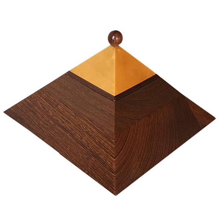 Scandinavian Natural Maple and Wengè Wood Pyramidal Box, Late 20th Century, 1980